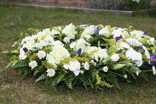 funeral-flowers-374183_640_R