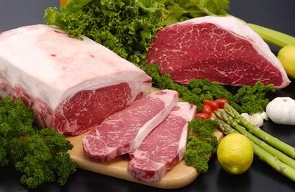 体臭がきつくなる食べ物 「肉」「牛乳」「チーズ」「スナック菓子」「インスタントラーメン」