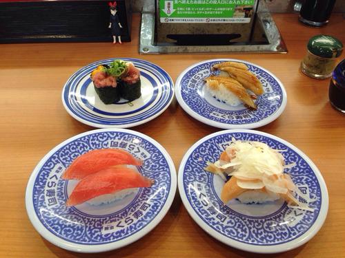 回転寿司で何皿食べる? 男11.1皿 女8.6皿(画像あり)