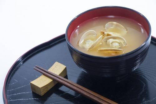 味噌汁飲むと「日本人でよかった」て思うよな
