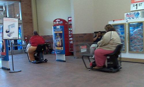 アメリカ人の肥満が乗ってるカートみたいなやつwwwwww