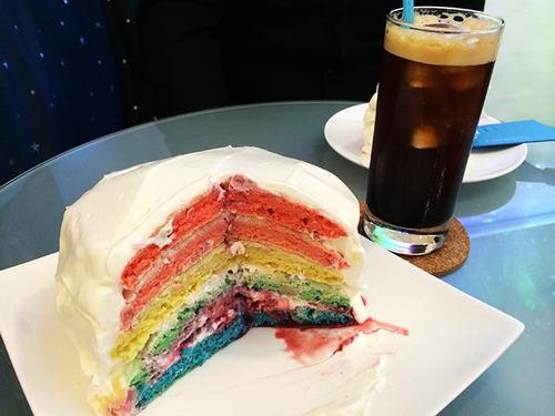 本当に宇宙の香りがする「虹色パンケーキ」を開発! 表参道で食べられるぞ