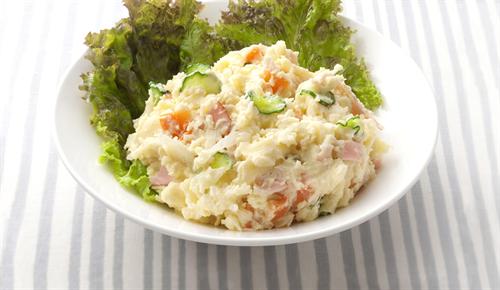 ポテトサラダ自作しようとネットでレシピ調べてたら玉ねぎの千切り入れろって書いてあるんだが