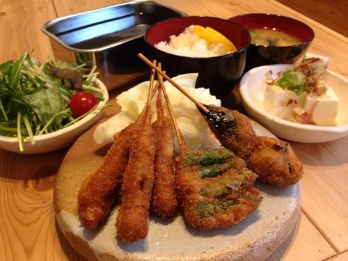 大阪の串かつ定食500円(ライスおかわり自由)豪華すぎやろwwwwwwwwwwwww