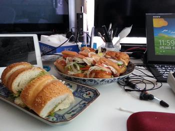 サブウェイのサンドウィッチ3個食べてもビックマックセット1個くらいのカロリーなんだぜ!!!