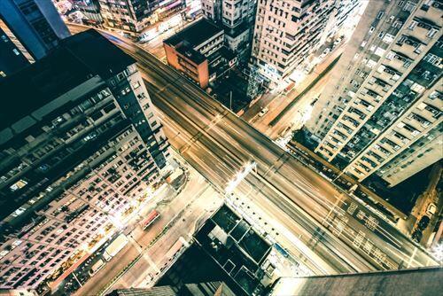 都会暮らしってマジで車移動より電車移動の方が楽なの?