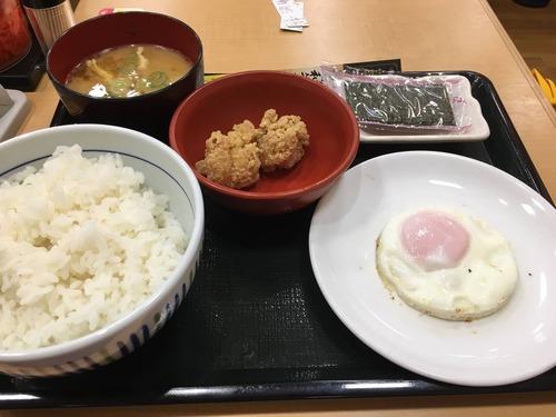 【画像】なか卯の朝定食のコスパの良さwwwwwwwwwwwwwwwwwwww