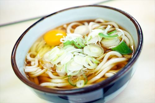 三大 西日本と東日本で違うもの 「うどんつゆの味」「『中島』の読み方」あとひとつは?
