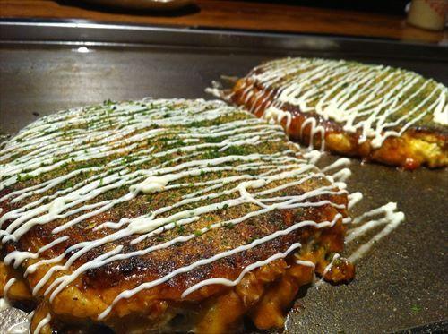 関西人激怒三大行為「お好み焼きを放射状にカットする」「お好み焼きを箸で食う」
