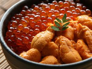 おまえら北海道に行ったとしてイクラ丼うち丼の二択ならどっち食べるの?