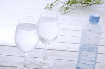 水を一時間置きに一リットル飲むのが癖になったんだけど