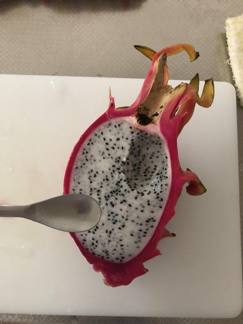 ドラゴンフルーツとかいう謎の食いもんwwwwww
