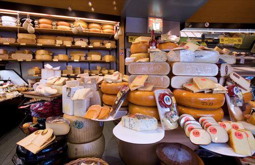 チーズ嫌いって言った時の驚かれる率が今のところ100%なんだがそんなにおかしいのか?