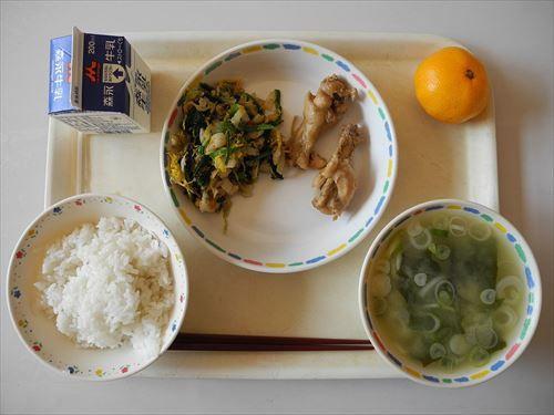 Jinego_Elementary_School_school_lunch_R