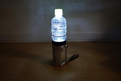 非常時に活用 停電・断水中の被災地で使える5ワザ 乾パン離乳食やペットボトルランタンなど