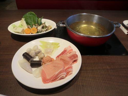 Thai_Suki_of_MK_Restaurant_R