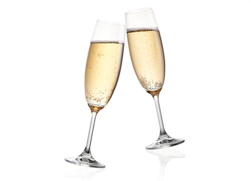 クリスマスに飲む酒といえば・・・やっぱりシャンパンだよな
