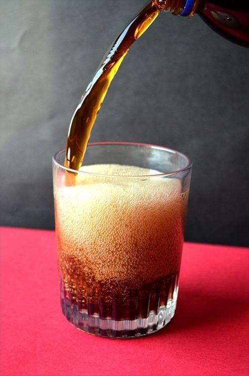 ワイ「ゼロコーラうますぎぃ!」意識高い系「人口甘味料とか入ってるから健康に悪いよ?」