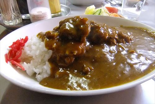 関東ってカレーに豚入れるとかスキヤキ豚肉でやるとかってマジでホンマなん?