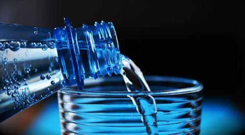 美味しんぼで「これは…なかなかいい水を使っているね!」みたいな描写あるけどさ