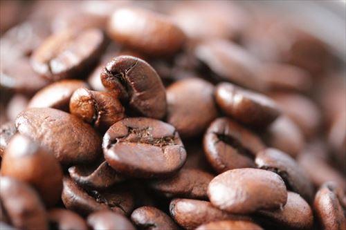 コーヒー依存症のやつおる?