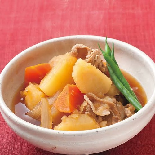 東郷平八郎「ビーフシチューっての美味かったなあ、再現しろ!」部下「おかのした」