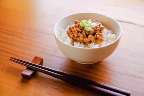 【速報】納豆にカラシを入れる人は日本人口のなんと20%しかいないことが判明