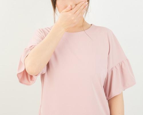 【日本人の口臭】意外にも男性より女性の方が深刻であることが判明へ