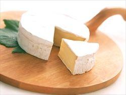 明治、チーズなど30品目を6.7~25%の実質値上げ