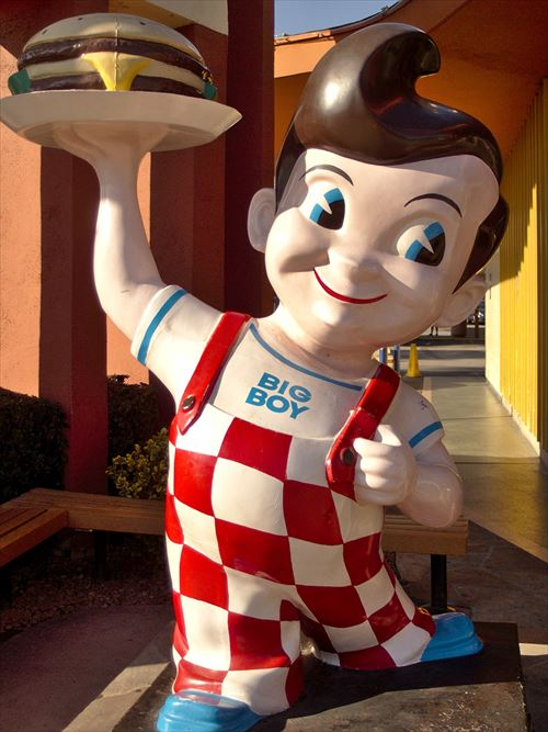 Bob's_big_boy_statue_burbank_2013_R