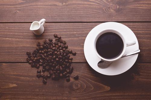 コーヒーの専門書「本当に美味しいコーヒーはフルーティーな匂いがする}