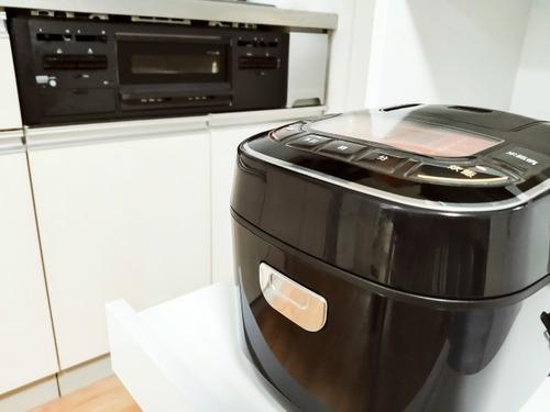 マッマ「炊飯器はエエやつ買わな」ワイ「大して変わらんって、2.3万のでエエやん」←