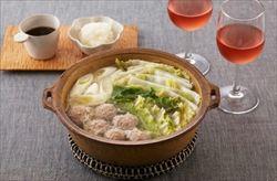 豚挽き肉で肉団子を作る。スープ入れて煮込みとろみをつける。ウマー。