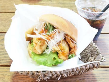 栃木限定、「宇都宮野菜餃子バーガー」-フレッシュネスバーガーが販売