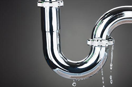 【たすけて】パイプユニッシュ入れて半日放置したら排水管に穴開いてワロタwwwwww