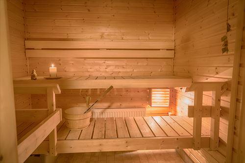 日本人さん「サウナ入って汗出して、それ今や水風呂ドボーン」←あのさぁ
