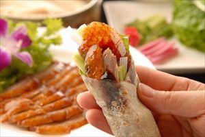 北京ダックって旨いか?ギョーザの皮みたいなので肉を包んで味噌付けて食べるんだが味噌が・・・