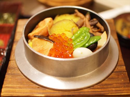 チャーハン ピラフ パエリア等に対抗できる日本代表の味付けご飯料理はなんなの?