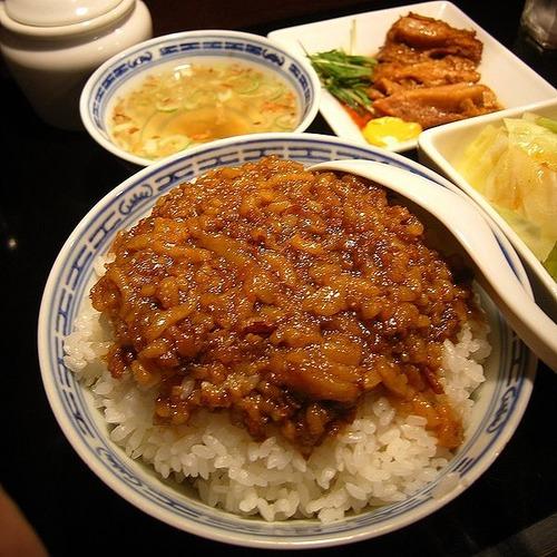 ご飯がモリモリ進む台湾の豚肉料理「魯肉飯(ルーローファン)」の作り方