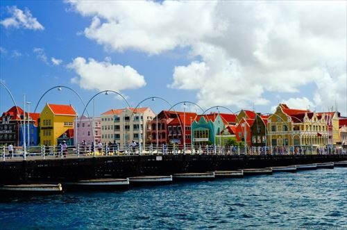 Curacao-colorfull-768x509_R