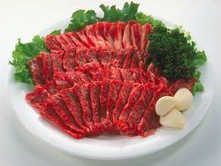 【死ぬぞw】 牛肉300gを万引きの無職 盗んだ牛肉を生のまま全部飲み込む