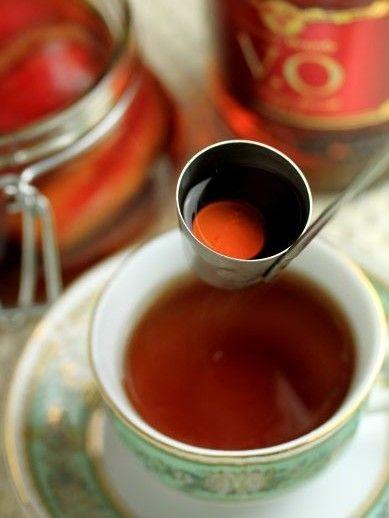 コーヒーや紅茶にブランデー垂らすと旨いんだな。