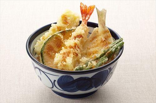 ついに青森県に天丼のてんやができるぞー 行列だー(^o^)ノ