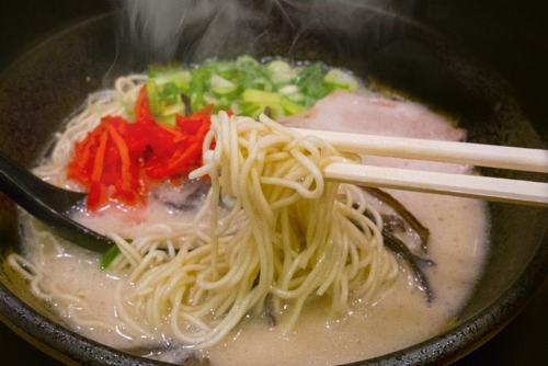 ラーメン屋「麺の硬さいかがしますか?」彡(^)(^)「普通で!」他の客「カタ」「バリカタ」
