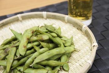 """史上最強ののおつまみ 枝豆は """"フライパンで蒸し焼き"""" にするとおいしくなりすぎる!"""