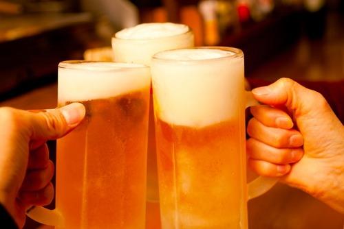 アサヒビール「ビール需要が落ちたので『とりあえず生』用のジョッキ容量を増やします」