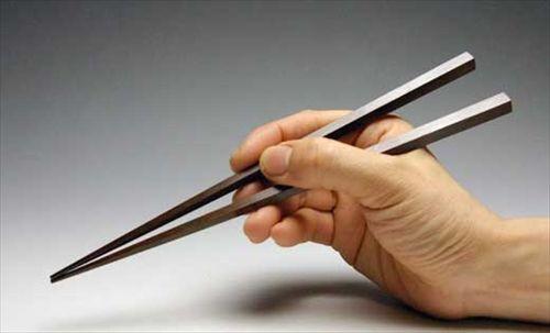 他人の箸の持ち方って気にする?