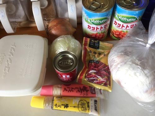 朝からチキンカレーとミートソース作る!