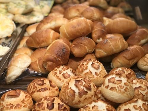 なぜ我々はパン屋のことをパン屋さんと言ってしまうのか?