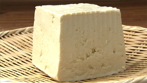 何でスーパーに豆腐が腐るほど売ってるのに豆腐屋って結構あるの?